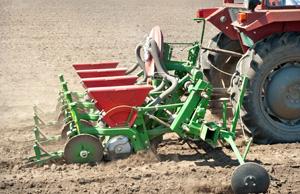Automazione agricola: trattori e attrezzi